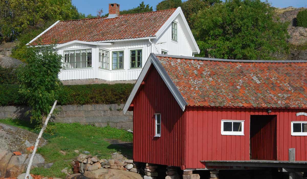 Bostadshus och fiskebod i norra Bohuslän